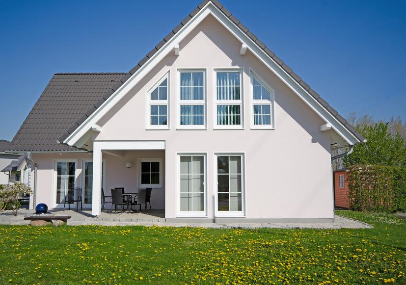 modernes Einfamilienhaus Holzfenster